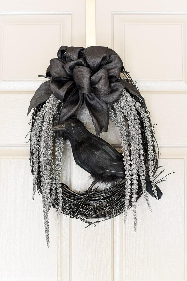 DIY Black Crow Halloween Wreath