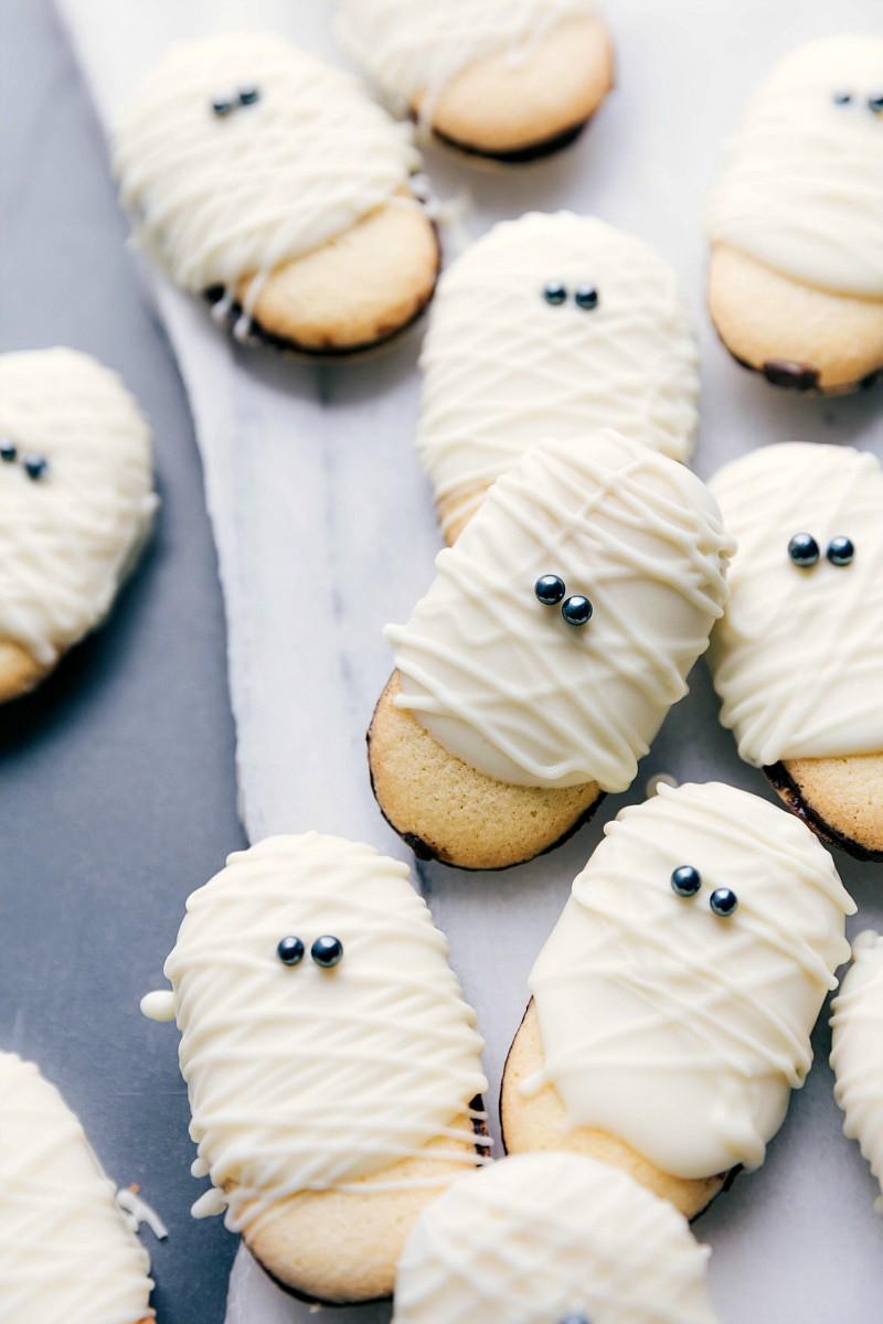 easy Halloween Mummy Cookies treats