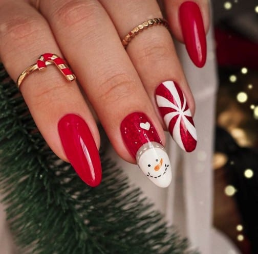 Christmas nails - Red and white nails