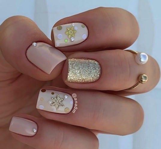 christmas nails - gold glitter christmas nails