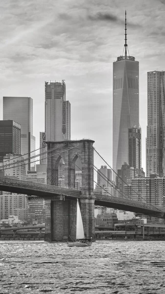 Black White NYC Freedom Tower iPhone Wallpapers