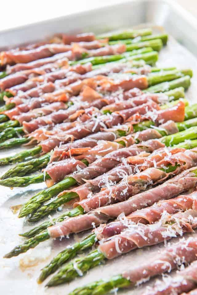 Prosciutto Wrapped Asparagus perfect for picnics