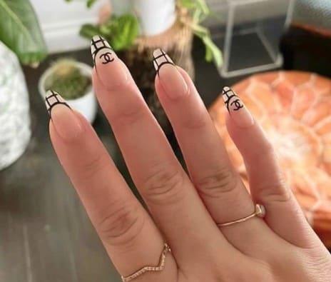designer channel Long press on nails