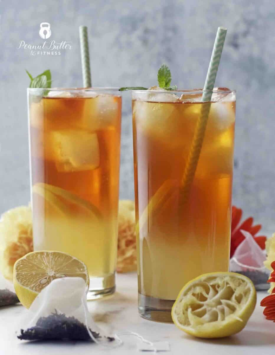 Spiked arnold palmer is the perfect game day cocktail to make in big batches. Easy Cocktail ideas for the big football game. You super bowl party guests will love it.