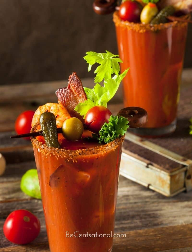 This Bloody Mary recipe is spicy and flavorful. Classic bloody mary cocktail perfect for brunch. Best Bloody Mary with sweet and savory garnish.