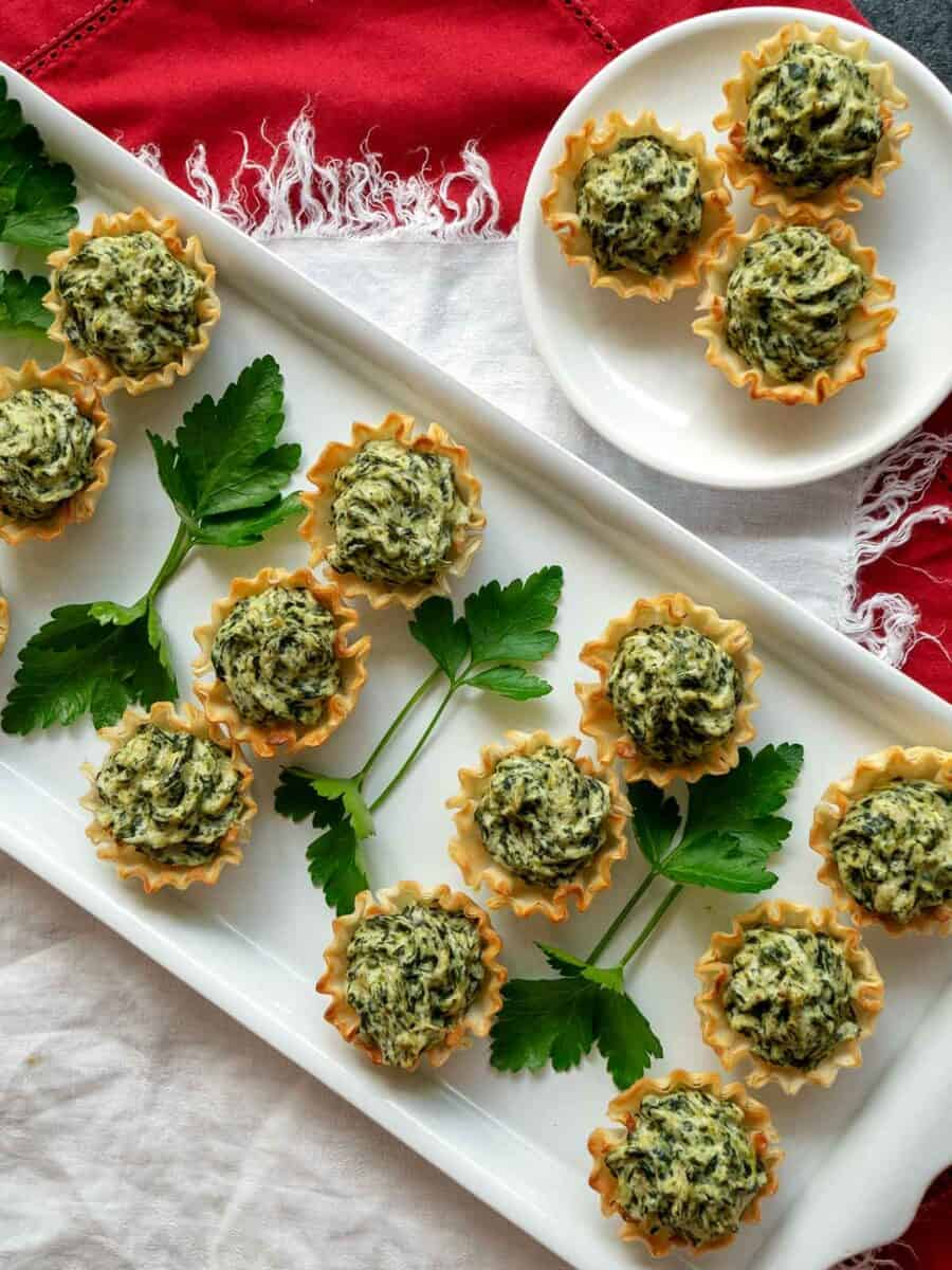 Easy Thanksgiving appetizers spinach Tartlets